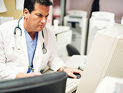 ts_130107_doctor_computer_angry_ehr_250x188
